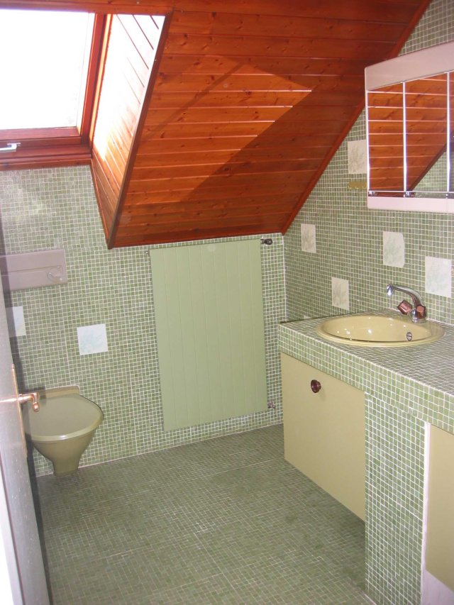 bathroom1 April 2005