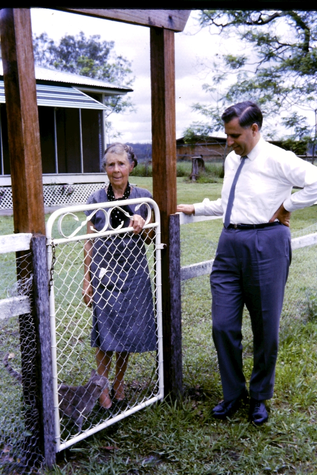 1965.10 Mrs Thomas,Jim