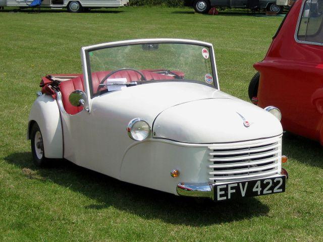 1951_Bond_Minicar_Deluxe_Tourer